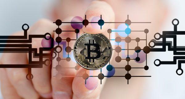 Criptovalute, Bitcoin cerca il rally dopo la fase di terrore