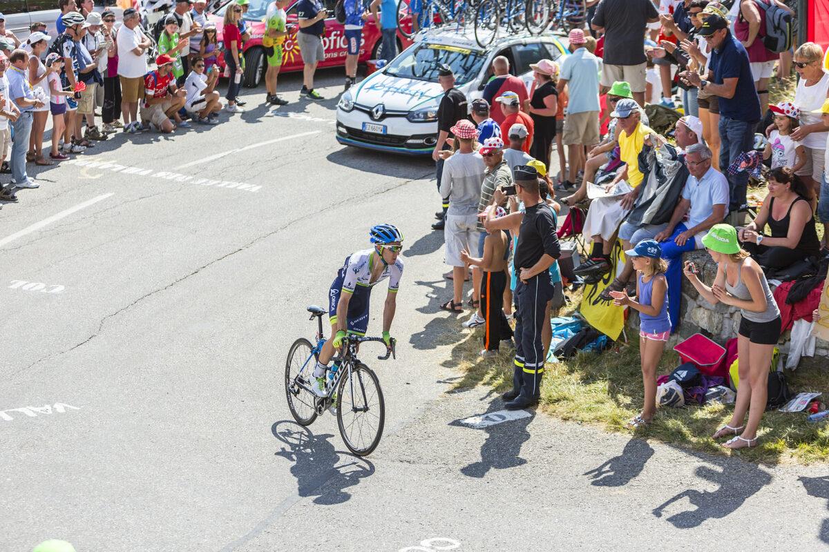 Simon Yates, Ciclismo